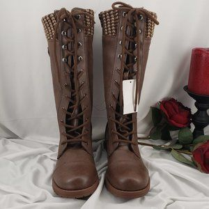 Stylish Lace up Winter Boots NWT